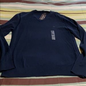 Men's Pullover Sweater. NWT